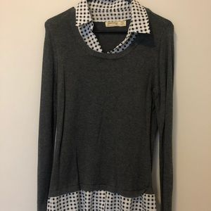 Women's sweater with a double collar